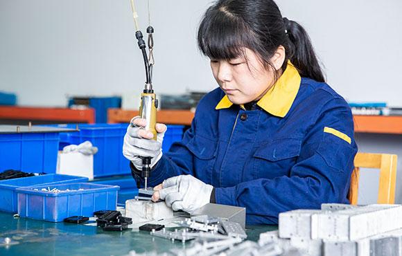 s03-solenoid-valve-machining-img